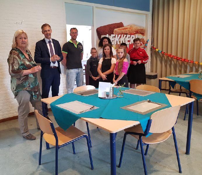 Officiele opening van 'Lunch op Facet'.